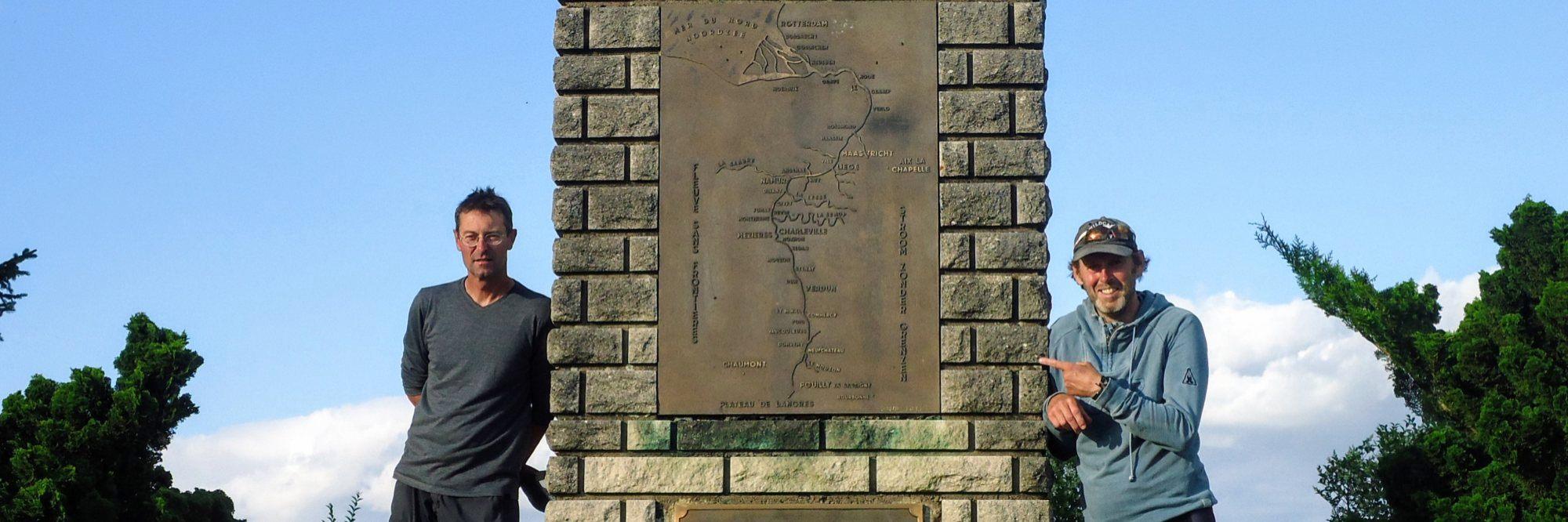 headerfoto bij het monument bij de bron van de Maas