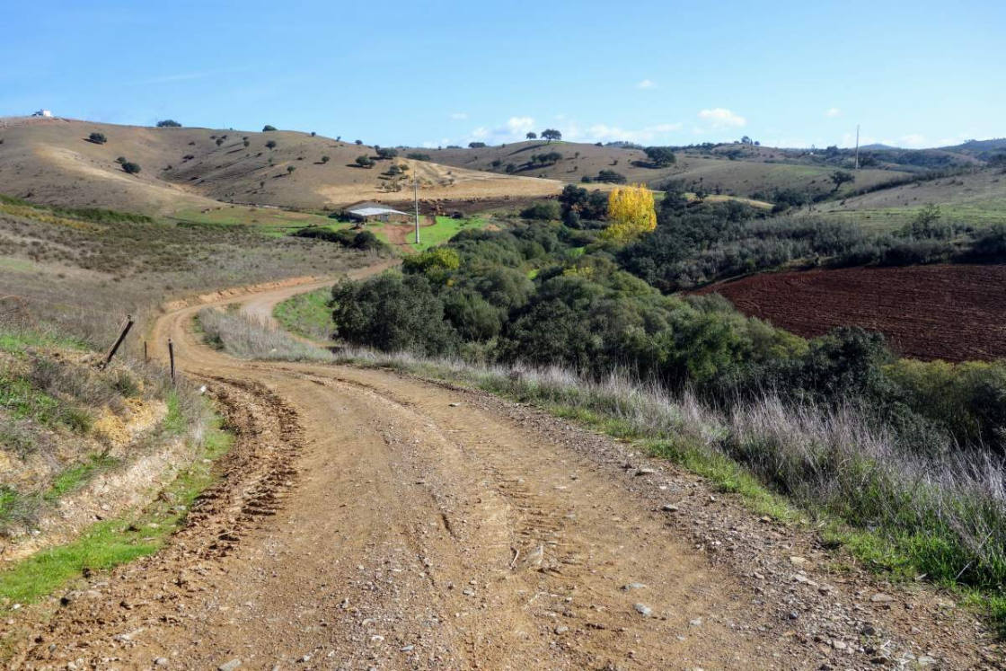 weg-door-het-binnenland-portugal