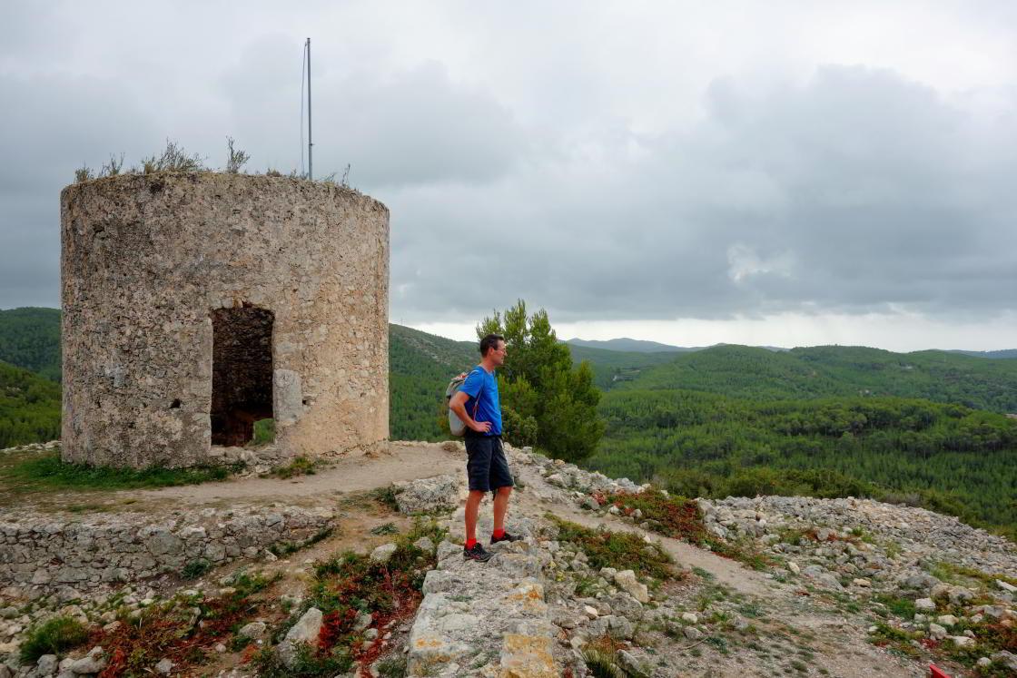 Man kijkt uit bij restant oud kasteel